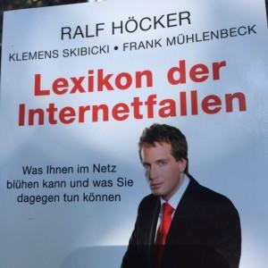 Ralf Höcker: Lexikon der Internetfallen